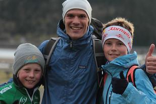 Kjartan Helland sammen med Ola Dragset-Haug (t.h.) og Birk Strand Rønnestad .