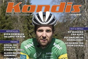 Sindre Buraas har satt seg på sykkelen og tatt på seg hjelmen. (Foto: Bjørn Johannessen)