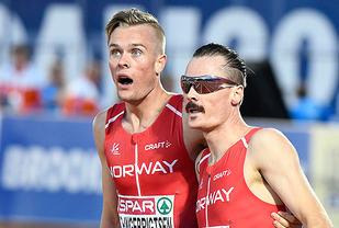 Denne gangen vil Filip (til venstre) og Henrik Ingebrigtsen løpe i hvert sitt heat. På bildet ser vi dem juble sammen etter gull og bronse på 1500 meteren i EM i fjor. (Foto: Bjørn Johannessen)