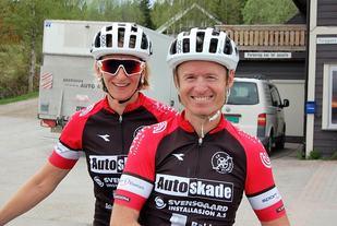 Fornøyde vinnere etter rittet: Heidi Kjernåsen og Odd Erik Farstad. (Arrangørfoto)