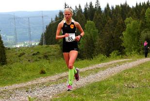 Marit Østvang var raskeste kvinne opp til Mistberget. (Foto: Bjørn Hytjanstorp)