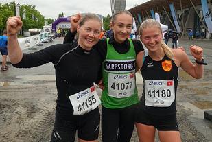 Pallen i halvbirken fra venstre: Ingeborg Kristine Lind, Karoline Skauen og Marit Østvang. (Foto: Finn Olsen)