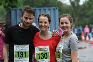 Andreas Foyn Nørstebø, Yngvil Akersveen Lied og Emilie Foyn Nørstebø klare til start på Verdens Ende.