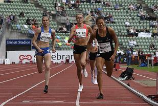 Mina Anglero gav alt i spurten og holdt Caroline Fleischer og Amalie Sæten bak seg under Bislett Games for en snau måned siden. (Foto: Bjørn Johannessen)