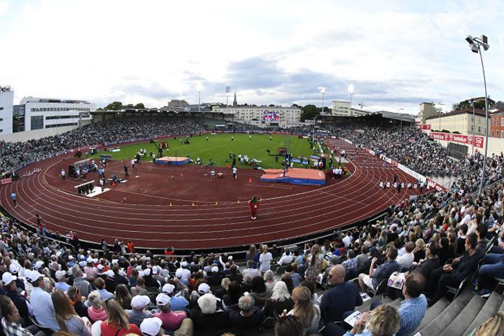 Tilnærmet fulle tribuner under Bislett Games 2017. (Foto: Bjørn Johannessen)