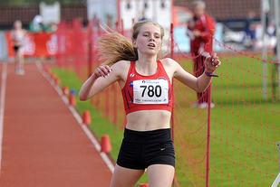 Hannah Berntzen Engevik tar en klar seier på 2000 meter i Tyrvinglekene.