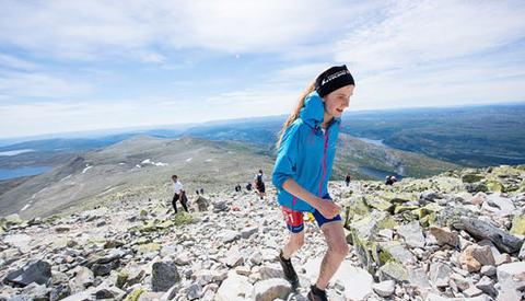 17 år gamle Lucia Philipp utklassa sterke konkurrenter og satte en soleklar løyperekord i Viking Challenge. (Foto: arrangøren)