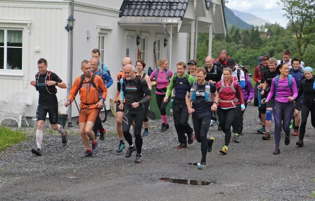 01_Startmaraton_tidligstart Halv Foto Arve Haugland.jpg