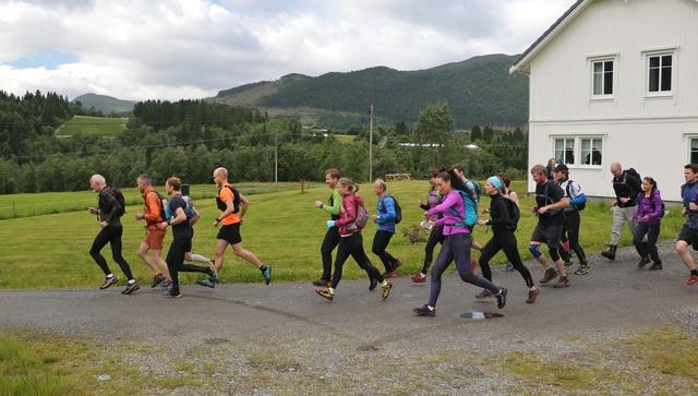 02_Startmaraton_tidligstart Halv Foto Arve Hauglan.jpg