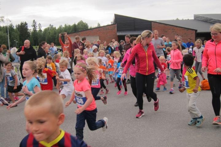 Barneløpet trekker flest deltagere i Langtrampen (foto: Toril Blakkisrud)