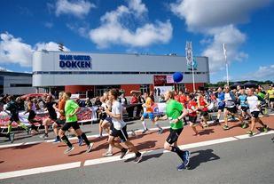 Strålende sommervær møtte de 749 som fullførte førsteutgaven av Esbjerg City Half (Foto: ECH-facebook/Christer Holte).