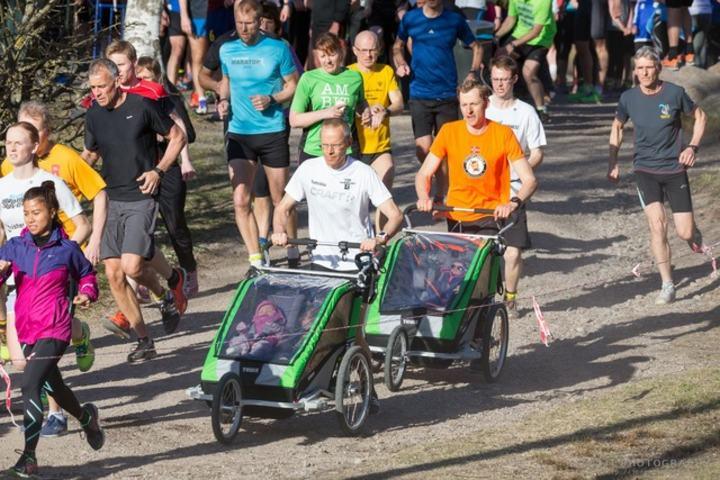 Løping rundt Sognsvann, et av Norges mest brukte steder for helsebringende aktiviteter fra spasering til løping og triatlon. Foto: Jørgen Lindalen