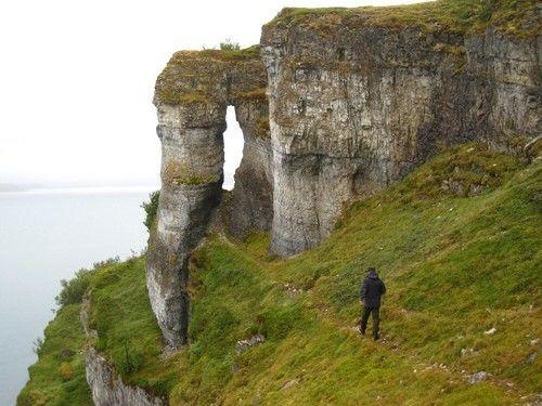 Trollholmsund, Natur, stein, sjø, person