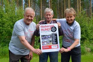 VELKOMMEN: Trioen, fra venstre, Torleif Bølla, Jan Bølla og Bjørg Risberg gleder seg til igjen å ta imot deltakere i Risberget Rundt som arrangeres lørdag 8. juli. (Foto- Erik Øsmundset)