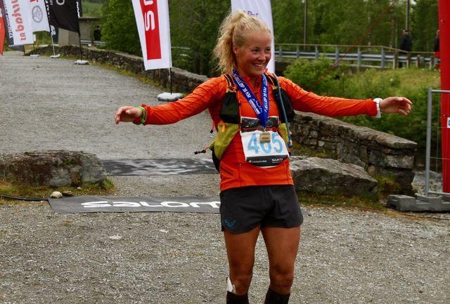 Hun har løyperekorden i Hornindal Rundt 75 km. I dag satte Malene Haukøy, Høyang også ny løyperekord på den halve distansen på tiden 4.45.50, over 40 minutt foran neste kvinne.
