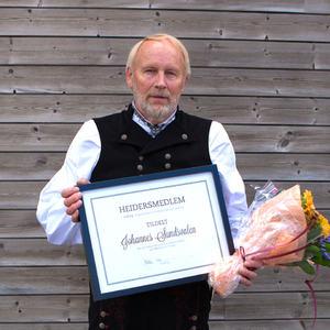 Utsnitt_Nytt_Heidersmedlem_i_FolkOrg_Johannes_Sundsvalen_foto_ThomasWestling