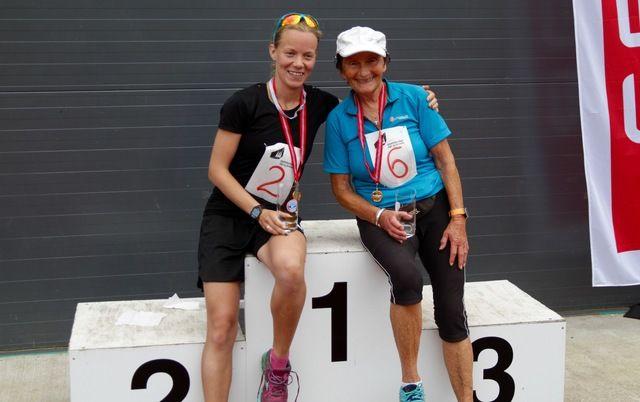 Linda Hovde t.v. og Signy Henden Rustlie skal delta i Hornindalsvatnet maraton I år som i fjor, Linda på halvmaraton og Signy på sin maraton nummer 100
