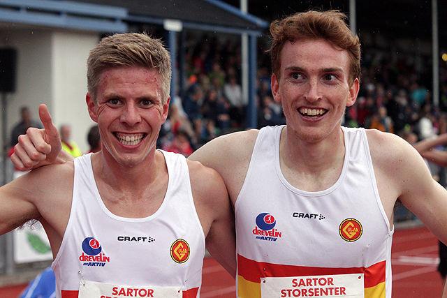 Per Svela (til venstre) holdt unna for klubbkompisen sin i Gular, Marius Vedvik, på 5000 meteren i Finland. (Arkivfoto: Tom Roger Johansen)