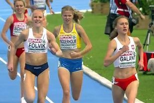 Ingrid Halvorsen Folvik slår svenske Linn Söderholm på oppløpssiden og blir nr.3 i sitt heat.
