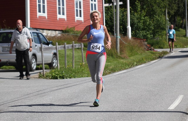 Kari_Holseth_10km