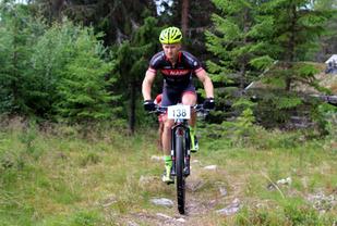 Ole Dalsjø i fjorårets tråkk over Mora da han til slutt tapte tvekampen med Vida Mehl med tre sekunder.