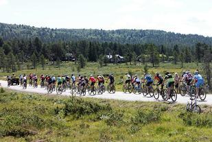 Kvamsfjellet i en fantastisk ramme kallet for vel 400 syklister  lørdag. (Arrangørfoto)