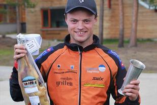 Øystein Ulekleiv tok sitt andre napp i vandrepokalen for beste tid for herrer. (Foto Åshild Sveen Gussgard)