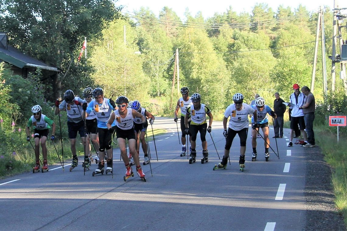 Fra starten i det første løpet ved Snippen gård i 2013. Årets sesongpremiere vil gå på nylagt asfalt litt lenger øst fra Julussa bru opp til krysset ved Snippen gård og tilbake. (Foto: Tor Solbakken)