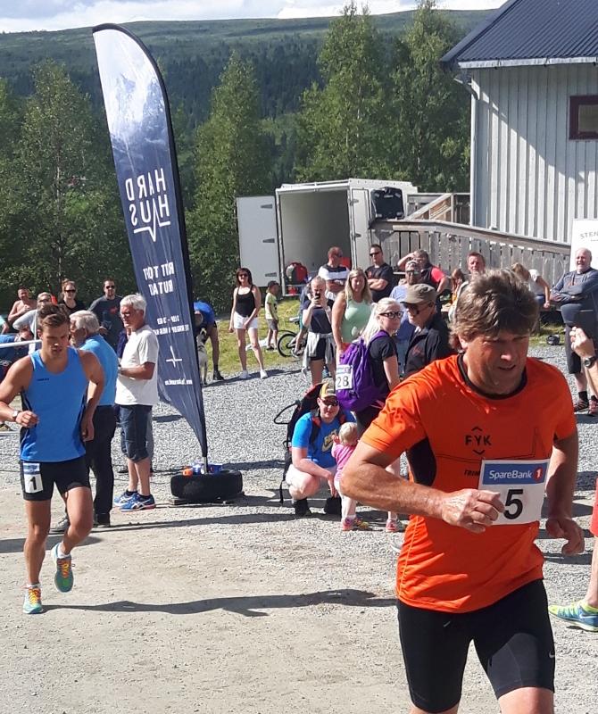 3 Jan Nyrønning og Magnus Moholdt (670x800).jpg