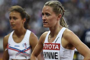 Mens Hedda Hynne kan lade opp til semifinale, er VM over for islandske Anita Hinriksdottir. (Foto: Bjørn Johannessen)