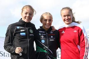 Premiepallen for 800 meter i junior-NM: Vilde Våge Henriksen, Camilla Ziesler og Sanne Njaastad.