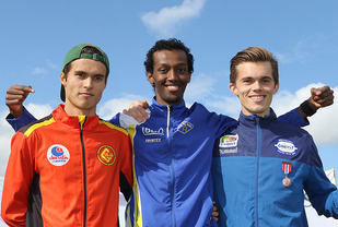 Premiepallen for 800 meter J22: Sondre Dingsør, Abduljaleel Hir, Anders Bjørndal.