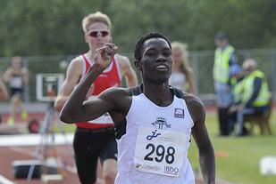 Thomas Byrkjeland vinner 5000 meter og tar sitt tredje NM-gull i junior-NM i Harstad.