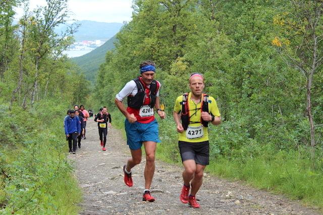 25. august er en stor ultraløpshelg med Tromsø Mountain Ultra (bilde fra 2017), Styrkeprøven Rett Vest og Ringerike 6-timers. Det går mot klar løyperekord i alle tre. (Foto: Trond Arne Liavik)