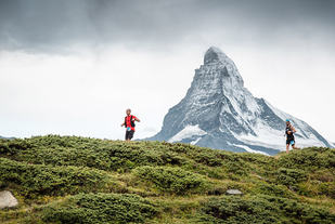 Som navnet på løpet indikerer, har løperne utsikt til Matterhorn på store deler av turen. (Foto: David Carlier / arrangøren)