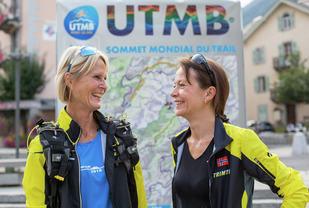 De eventyrlystne tantene Mona Kjeldsberg og Monica Strand. (Foto: Sylvain CAVATZ)