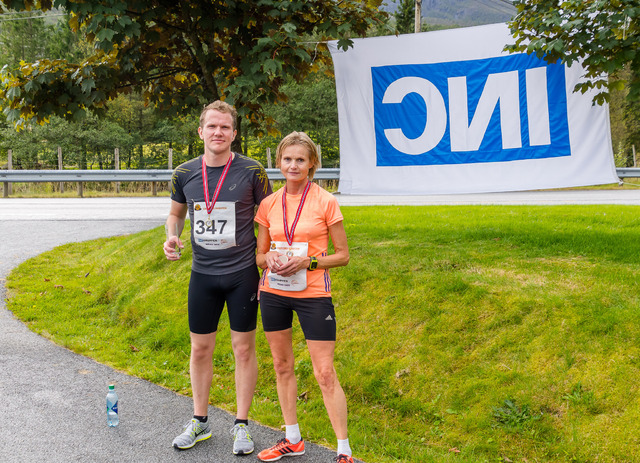 Vinnere 5 km - M. Knutsen og N. Stavø.jpg
