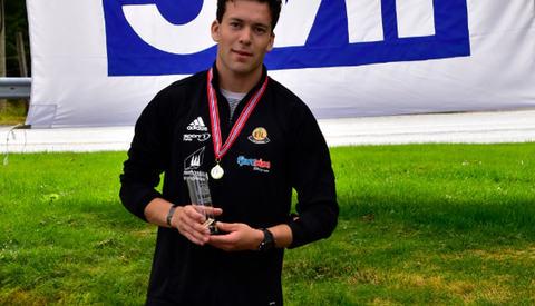 Fotballspilleren Øyvind Sørbø, Eikefjord IL satte en fin ny løyperekord på 10 km i herreklassen under Eikefjord Maraton. (Foto: Ronny Osland)