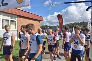 Klart til start for 11-kilometeren. Vi ser vinneren Mattis Sjøli med nr 72. (Foto: Arrangøren)