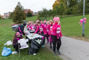 Klart for Rosa Sløyfe-løpet i Bergen. Foto : Stian Schlosser Moller