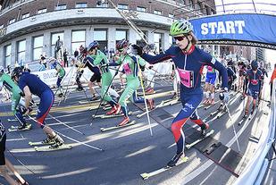 Rulleskirennet, som var nytt av året, innledet årets Oslo Maraton når det startet kl.09:00 . Foto: Bjørn Johannessen