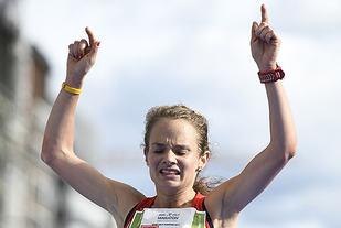 Runa Skrove Falch Norgesmester på halvmaraton. Foto: Bjørn Johannessen