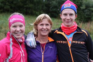 Familien Skari har satt sitt preg på årets Sørdalskarusell, slik de også har gjort tidligere år. Mor Hege har fullført og vunnet klassen sin (K 40-49 år) i årets samtlige 10 løp. Sønnen Isak er 15 år og har fullført samtlige 10 løp i karusellen, og vunnet klasse 0-15 år 8 ganger. Isak ble også totalvinner i Elvaløpet. Datteren Guro har deltatt i 9 av løpene, og ble totalt nr. 3 i klasse K 16-29 år.