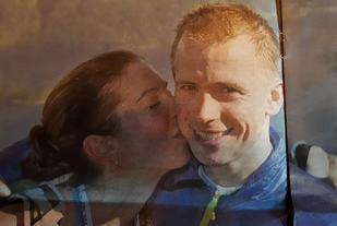 Ekteparet Øyvind Heiberg Sundby og Annie Bersagel vant årets Balestrand Opp. Foto: Arrangøren