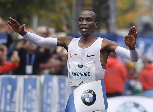 Olympisk mester: Eliud Kipchoge fortsetter sin seiersrekke og har vunnet 8 av de 9 maratonløpene han har deltatt i. I Berlin Marathon i 2013 ble han bare nr. 2 slått av Wilson Kipsang, som satte verdensrekord. (Foto:arrangøren)