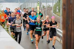 Hjelp: Fartsholder Trude Håland hjelper deg gjerne inn til en bestemt tid om du melder deg på maratondistansen under Stavanger Maraton. Foto: Tonja Hjøllo