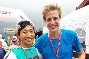 Håkon Urdal (til venstre) slo Gjermund Nordskar med drøye 4 minutter i Skåbu Fjellmaraton. (Foto: privat)