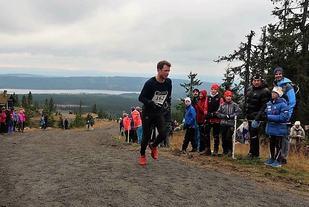 Petter Soleng Skinstad feiret 28-årsdagen sin med å vinne løpet i sitt eget treningseldorado. (Foto: Anne Kristine Sørum Seegaard)
