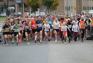 Starten på 10 og 5 km går samtidig. Foto: Roy Stranna