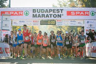 Starten for den 32. utgaven av Budapest Marathon har gått. (Alle foto: arrangøren)